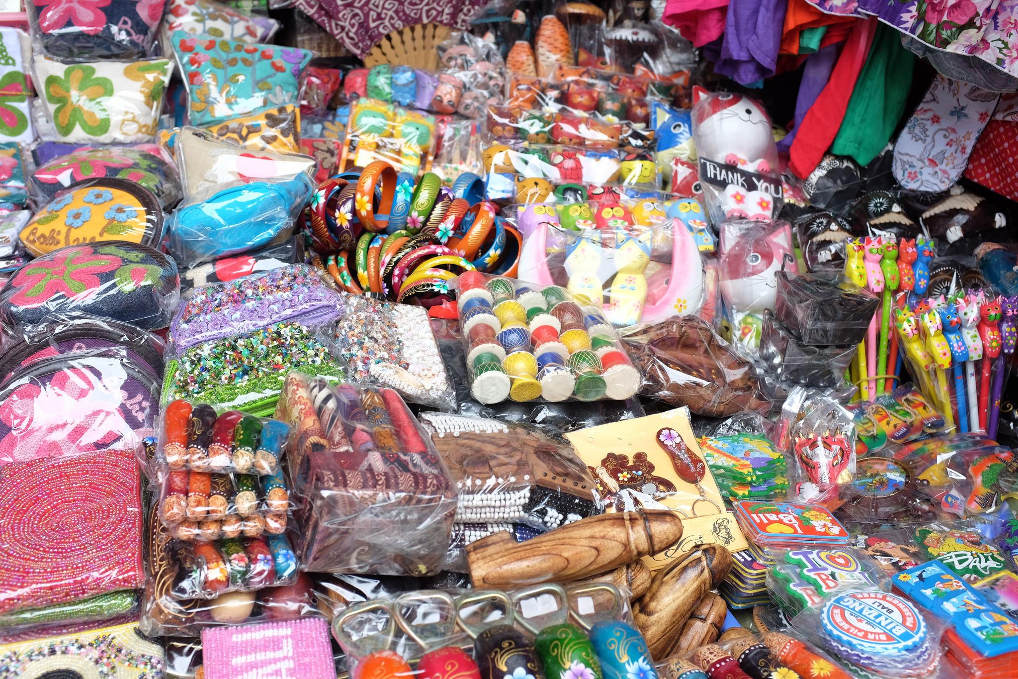 where to buy souvenir in seminyak