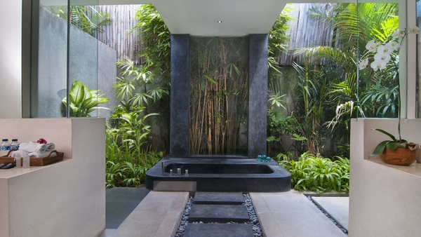 villa alice dua bathtub