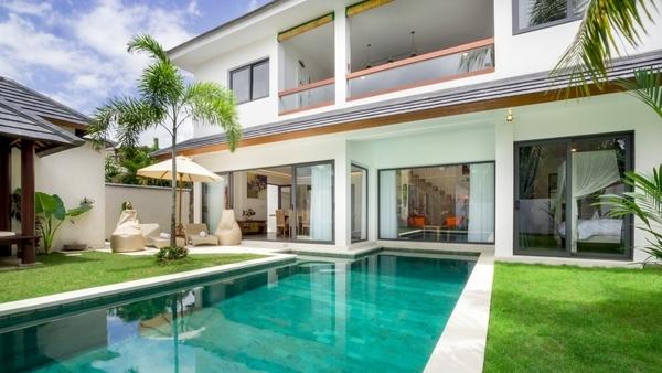 pool villas seminyak