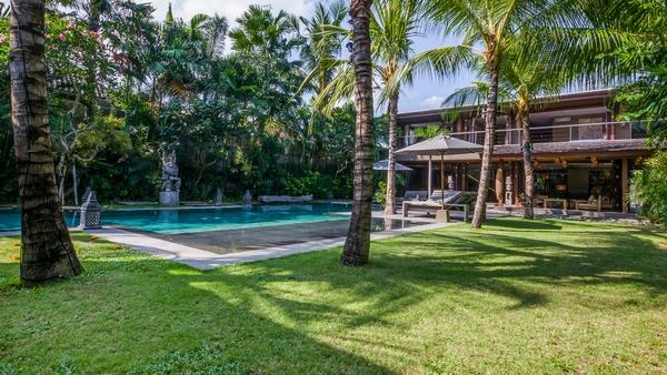 best family villa seminyak - villa yoga