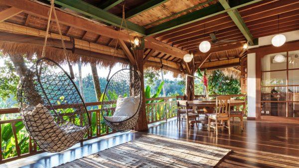 bali furniture in Villa Splendid