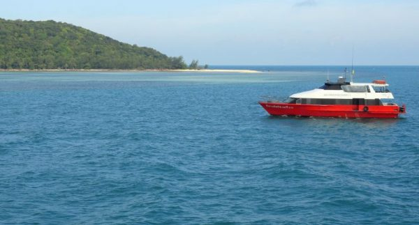 Travelling by ferry to Koh Samui. Photo credit: Fabio Achilli on Flickr