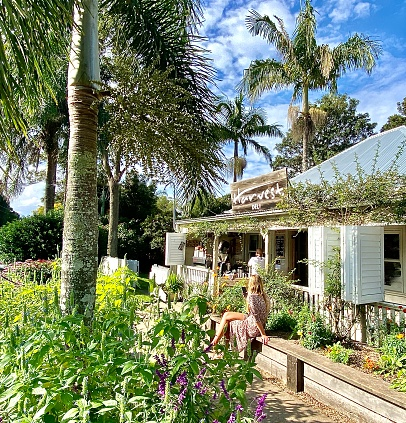 when to go to byron bay